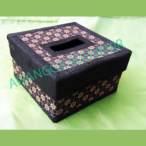 kotak tisu batik tanggung