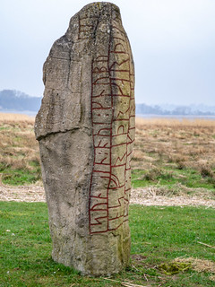 Großer Sigtrygg-Stein (Nachbildung) am Haddebyer Noor