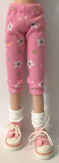 Bubble Gum Pink And White Daisy's...Leggings For Blythe...
