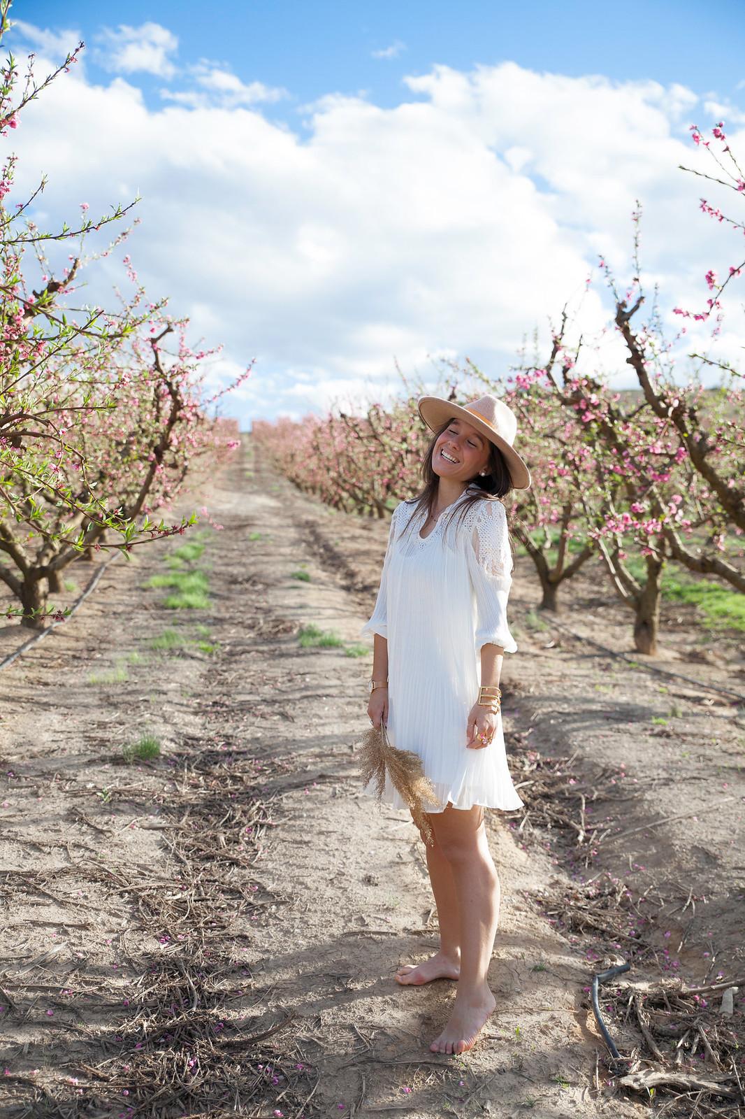 06_vestido_blanco_H_preppy_primavera_theguestgirl_naturaleza