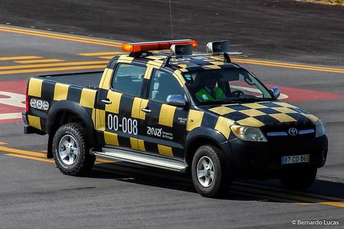 Horta Airport - Toyota Hilux