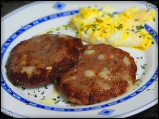 Hamburguesas caseras con queso / homemade cheeseburgers