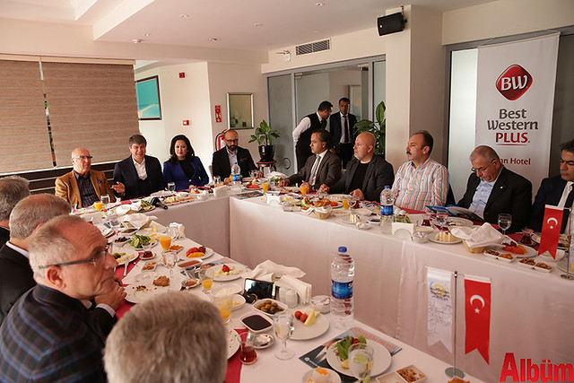 Antalya Büyükşehir Belediyesi Başkanı Menderes Türel 'Dostlar Meclisi'nin konuğu oldu