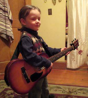 Wed, 03/28/2018 - 23:22 - Little Guitarist