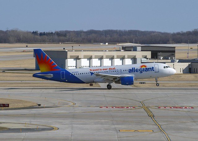 Allegiant Air Airbus A320-214 N226NV