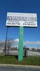 Chuck E. Cheese's sign (closed)