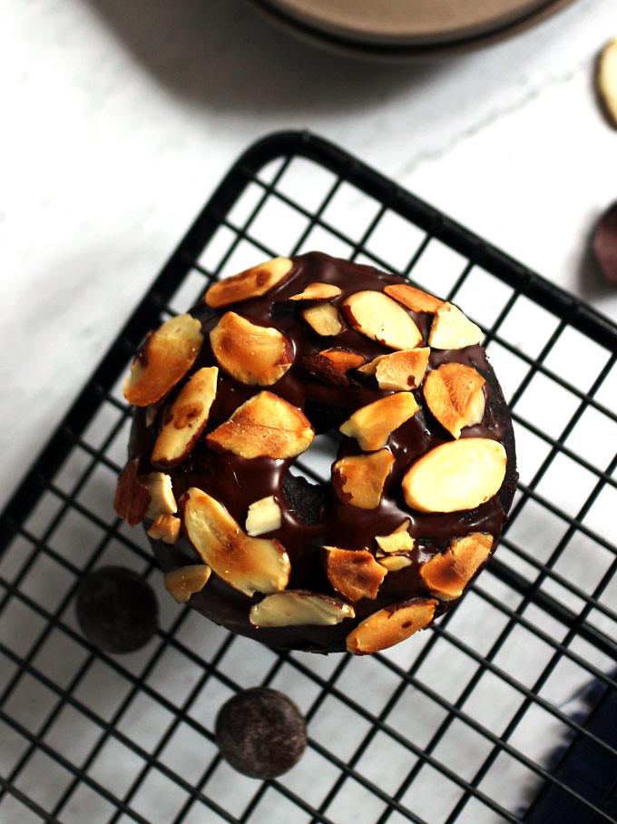 全素雙層巧克力烤甜甜圈 vegan-baked-double-chocolate-doughnuts (5)