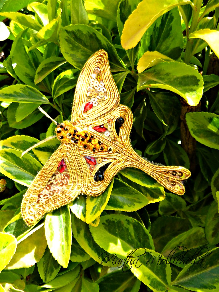 #Goldwork Moth Brooch goldwork #falena #wearableart
