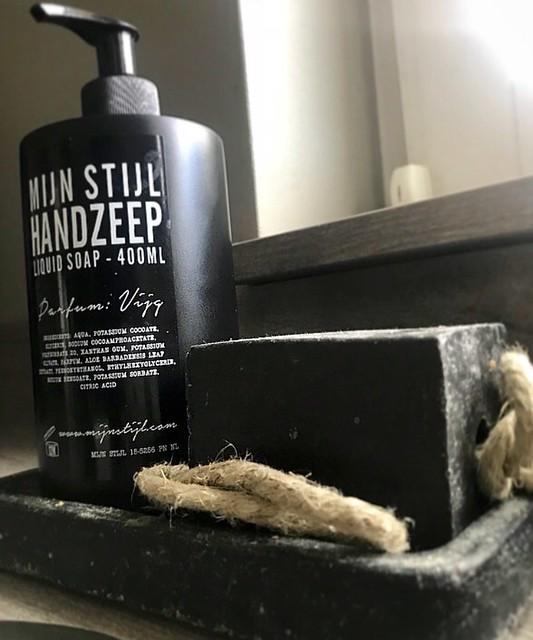 Handzeep zeep aan touw