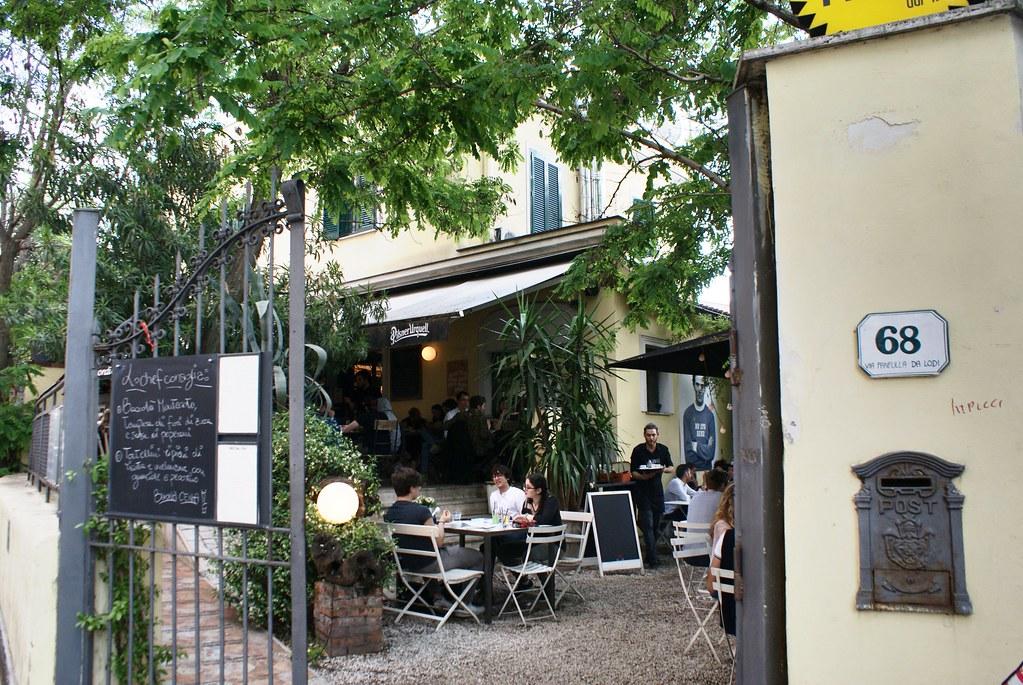 La jolie terrasse du Necci dal 1924 dans le quartier du Pigneto à Rome.