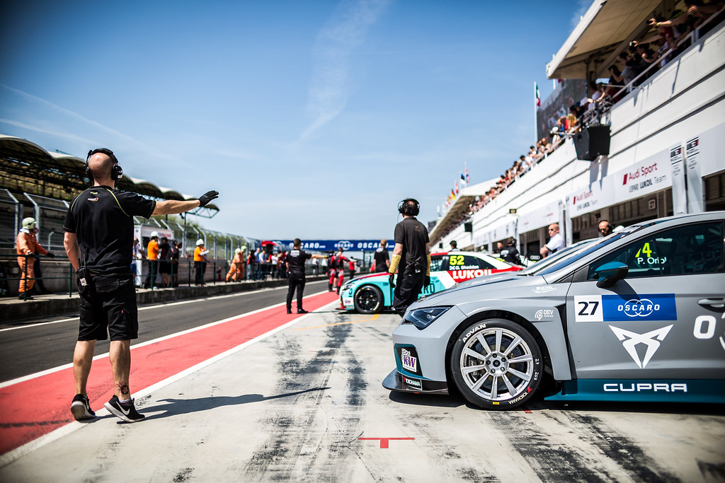 27 FILIPPI John (FRA), Team Oscaro by Campos Racing, Cupra TCR, ambiance during the 2018 FIA WTCR World Touring Car cup, Race of Hungary at hungaroring, Budapest from april 27 to 29 - Photo Thomas Fenetre / DPPI