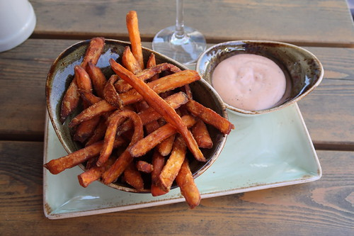 Süßkartoffel-Fritten mit HANS IM GLÜCK - Soße