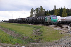 BB 75078 et rame de fuel ourd - Photo of Gastins