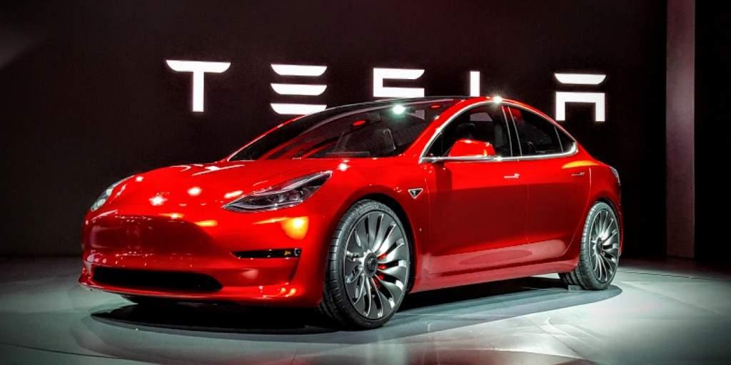 Tesla commence à livrer des modèles 3 en dehors des États-Unis