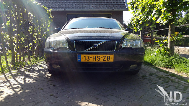Volvo S80 2.4T Front view