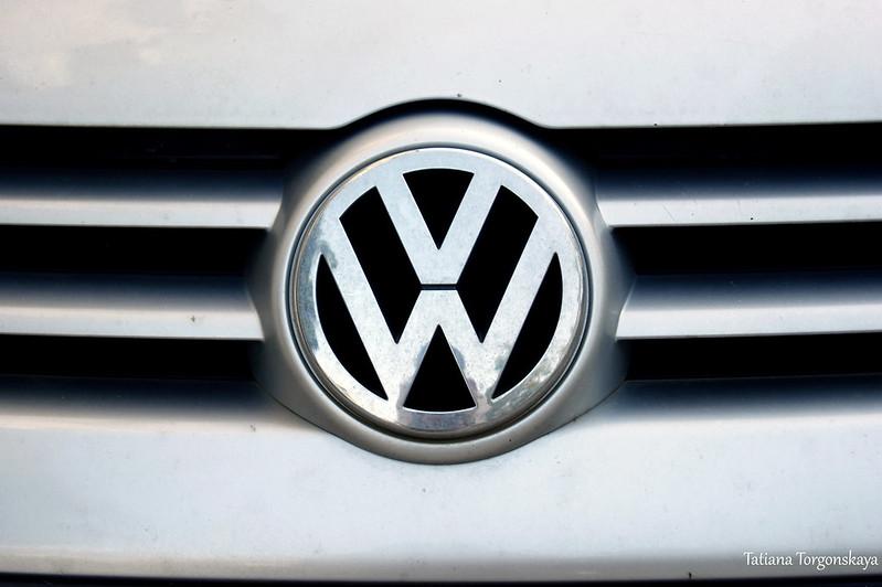 Логотип фольксвагена - самой популярной автомобильной марки в Черногории