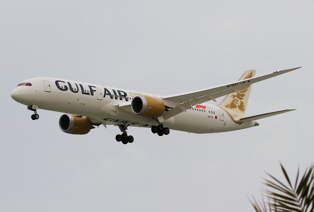 Gulf Air's brand new dreamliner on short final for RWY30R inbound from Jeddah JED. Coming in unfortunately minutes after some clouds pulled in. Delivered April 26th, 2018.