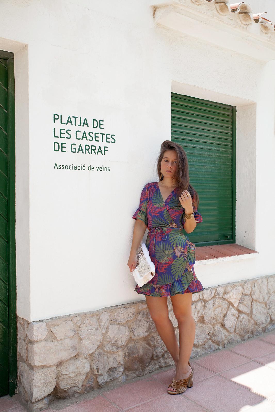 02_vestido_cruzado_estampado_rüga_theguestgirl_fashion_influencer_barcelona