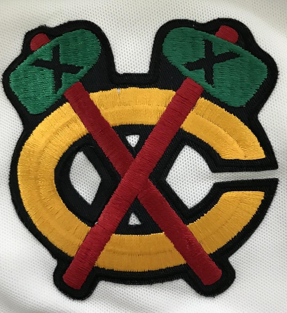 1988-89 Steve Larmer Chicago Blackhawks Home Jersey Shoulder Patch