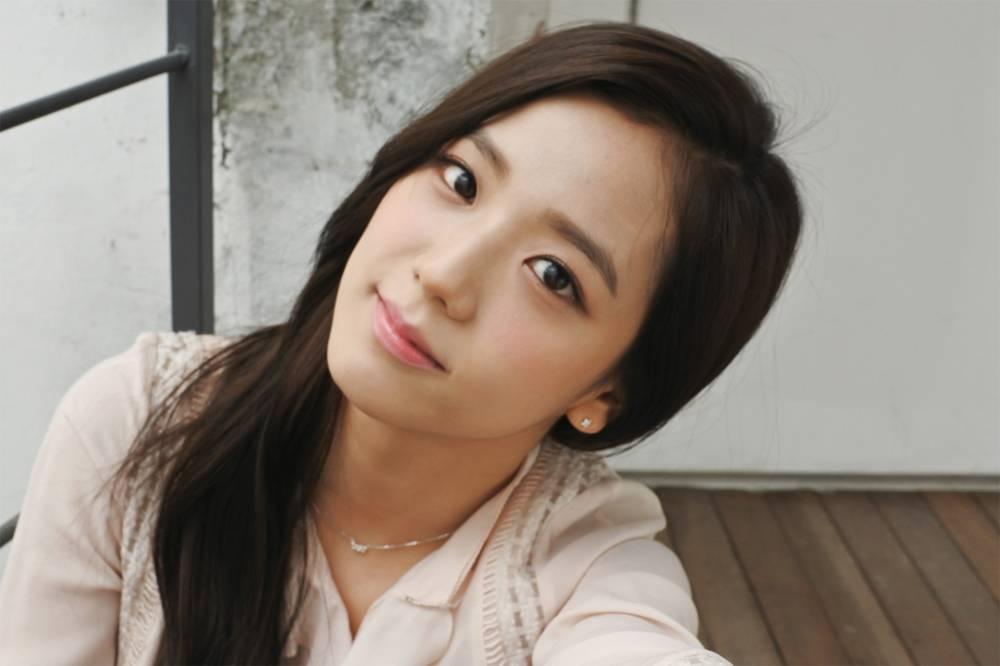 Jisoo black pink