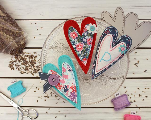 LizzieJones_StitchingAmbassador_StitchedPrimitiveHeart_LavenderSachets