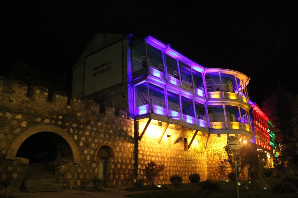 Ночной Тбилиси - пиво, чача, бани, рок-н-ролл