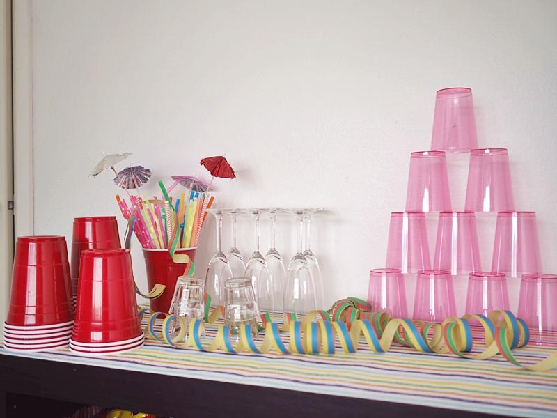 vappukoristelua juomapöytä vappupöytä