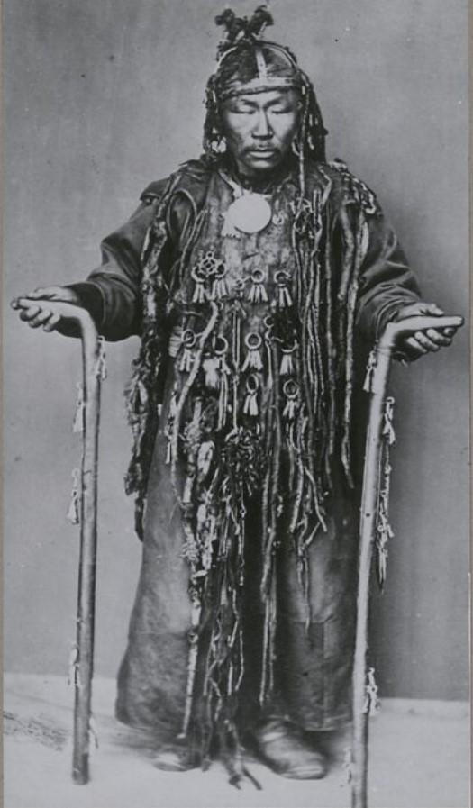 Бурятский шаман.