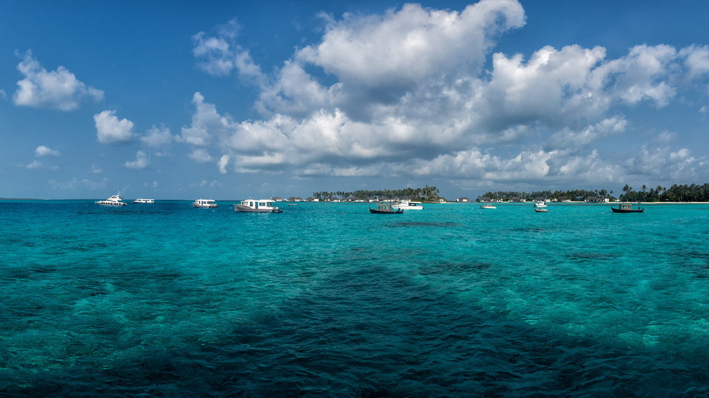 Сочетать несочетаемое. Командировка... на Мальдивы. День 2й.