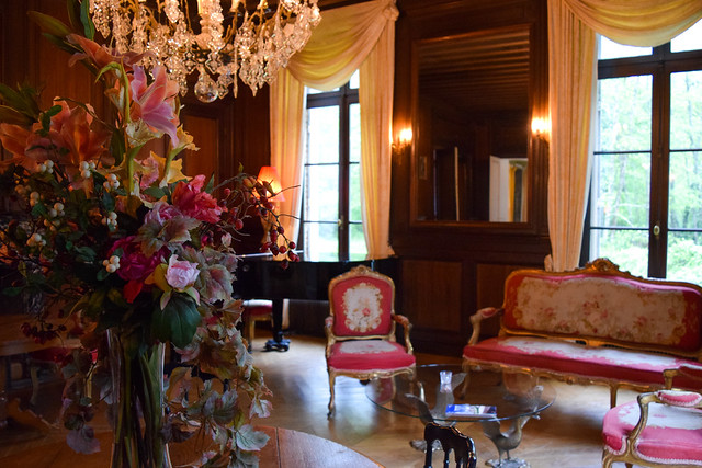 Drawing Room at Château les Muids #loire #france #travel