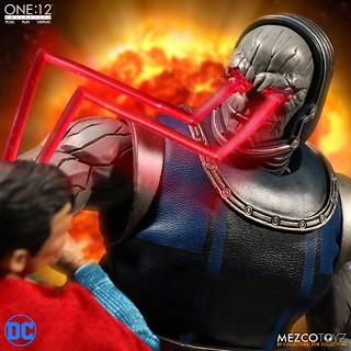 採用與大魔王相稱的超高級規格製作!! MEZCO ONE:12 COLLECTIVE 系列 DC Comics【達克賽德】Darkseid 1/12 比例人偶作品