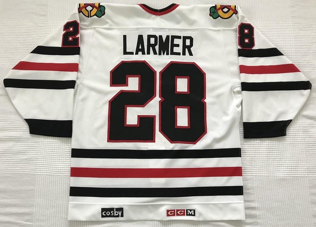 1988-89 Steve Larmer Chicago Blackhawks Home Jersey Back