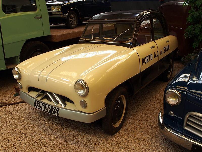 800px-1953_Citroen_2CV_with_carroserie_ANTEM_de_Philippe_Charbonneaux_pic1