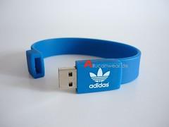 ADIDAS ORIGINALS RETRO 1 GB USB STICK / BRACELET