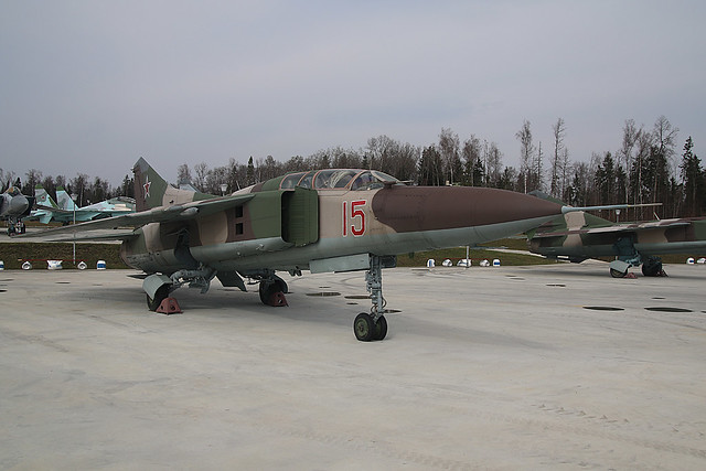 15-RED MIG23