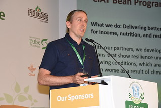 Sun, 05/06/2018 - 17:01 - Bodo Raatz of CIMMYT, presenting on common bean breeding for yield stability and nutrition