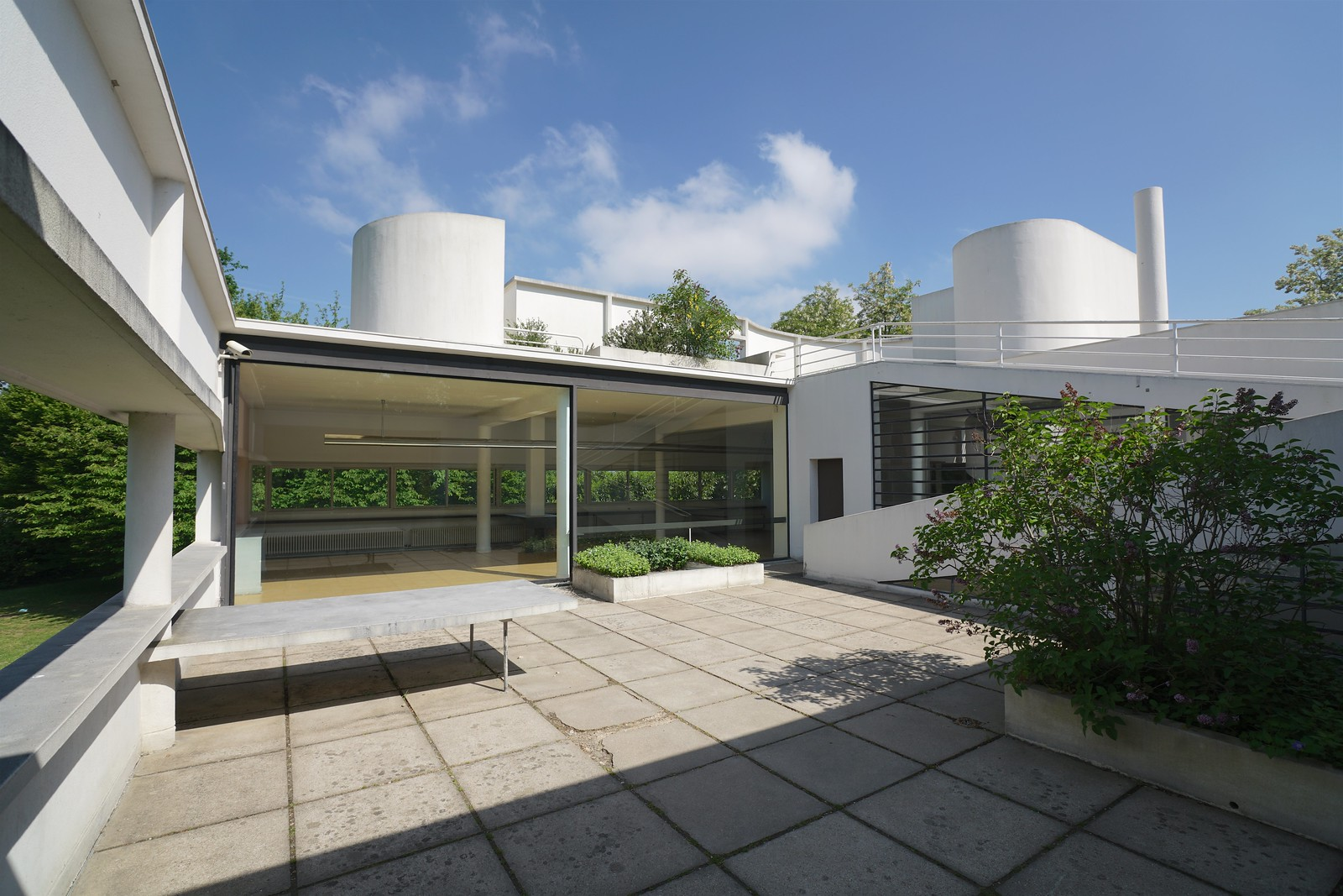 Le Corbusier S Villa Savoye Poissy France Dyxum