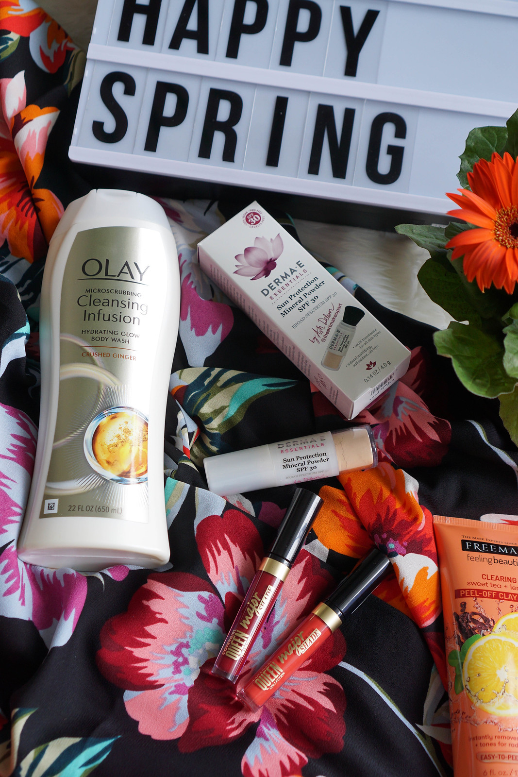 Olay-Microscrubbing-Cleansing-Infusion-Hydrating-Glow-Body-Wash-Skincare-Review-Living-After-Midnite-Beauty-Blogger