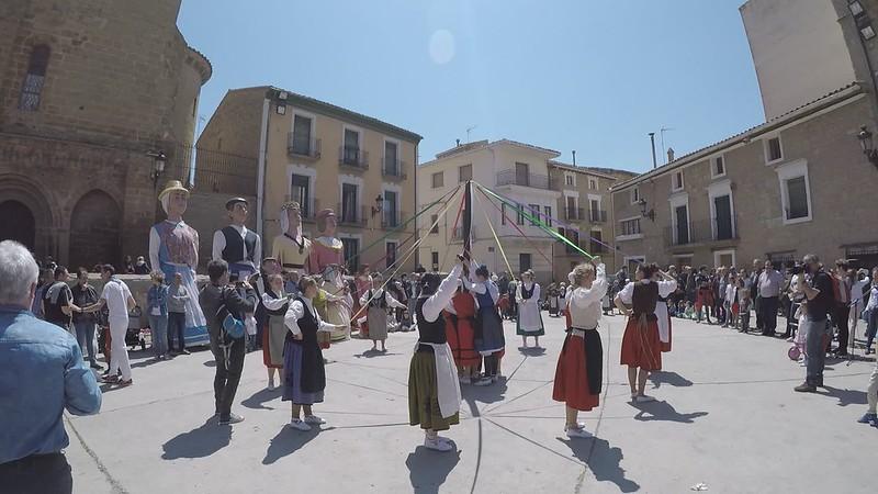 Presentación de Ortzondo eta Lakarri Dantza taldea en #Carcastillo #Zarrakaztelu en #EuskarenEguna 2018