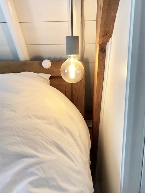 Gloeilamp aan snoer slaapkamer