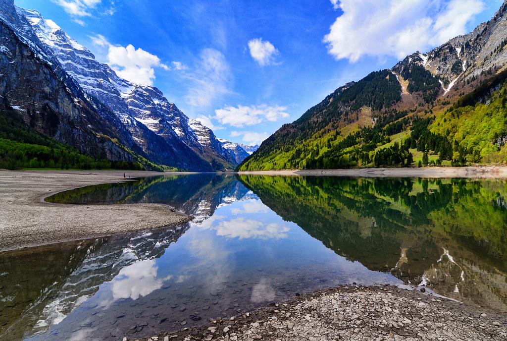 Lake  Klöntal , Switzerland