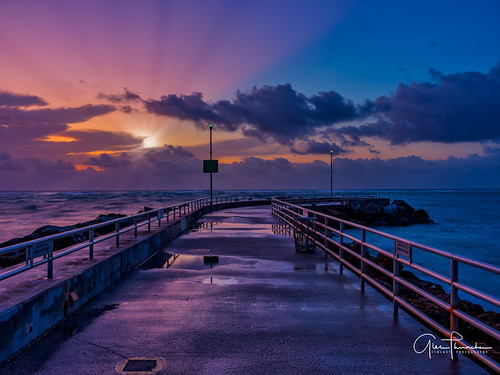 fujifilm fuji gfx50s fujigfx50s fujigf3264mmf4rlmwr mf mediumformat scenic landscape waterscapae oceanscape nature outdoors sky clouds colors reflections sunrise sunrays pier jetty jupiterinlet intracoastal jupiter florida southeastflorida atlanticocean