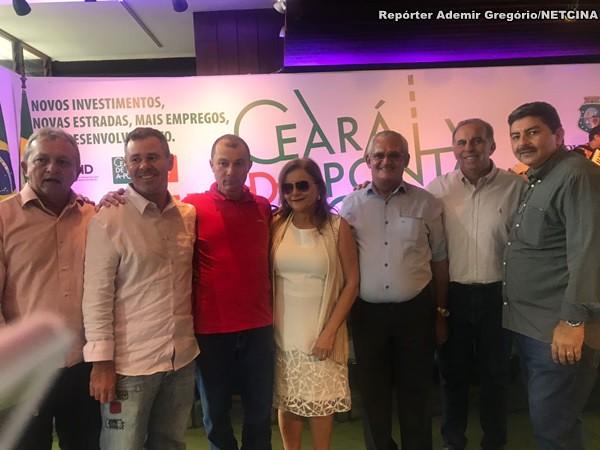 Comitiva do Ipu no anúncio do asfalto São João ao Guarani