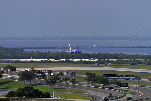southwest airlines shortfinal approach tampa international airport bay plane scenic view tpa