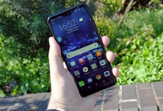 Honor 10 Meluncur, Versi Murah dari Huawei P20 Pro
