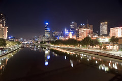 Melbourne Yarra river at night