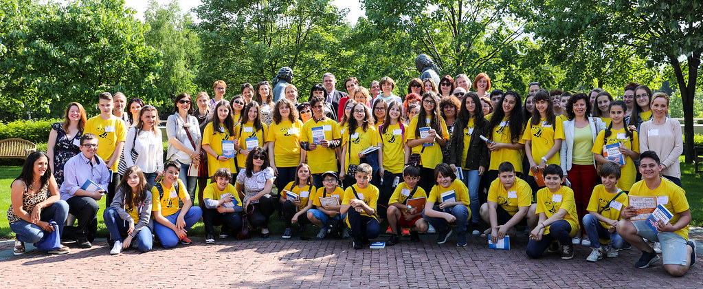 Participants in the National English Spelling Bee Contest Visit the Embassy