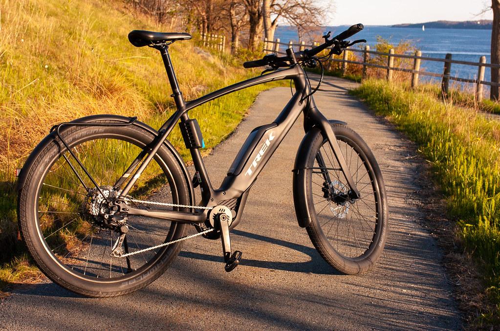 E-Bike Ride with L