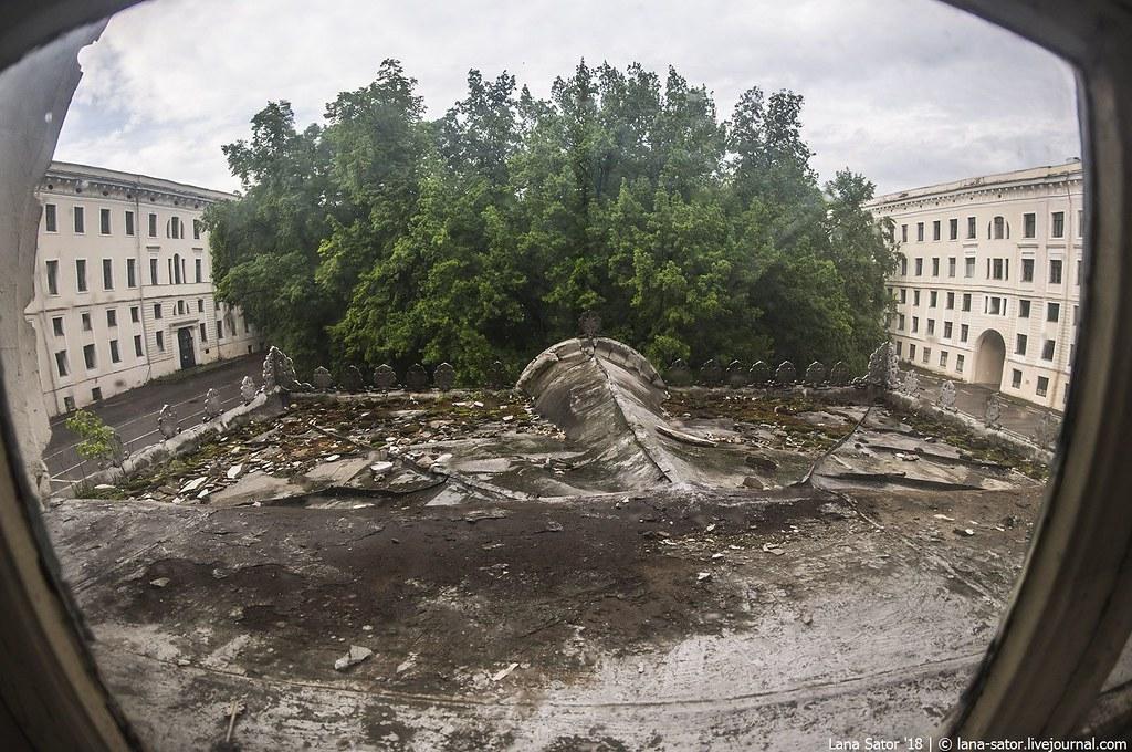 Прогулка по пустым этажам бывшей Академии РВСН около Кремля