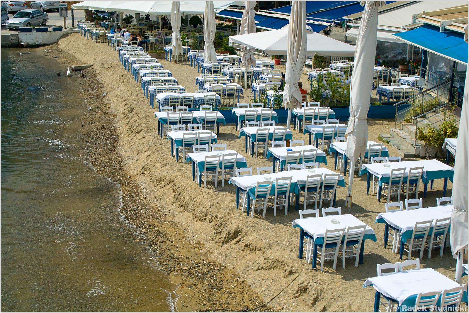 Restauracja na plaży Neos Marmaras